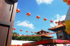 Iluminación tradicional de la linterna o de la lámpara en templo chino Foto de archivo libre de regalías