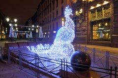 Iluminacja skład na Malaya Sadovaya ulicie Nowego Roku ` s St Petersburg fotografia stock