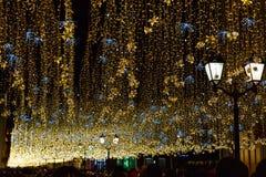 Iluminacje i latarnie uliczne przy nocą fotografia stock