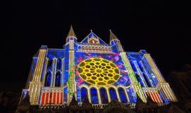 Iluminado nossa senhora da catedral de Chartres, França Imagem de Stock Royalty Free
