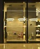iluminando a janela da loja Fotografia de Stock