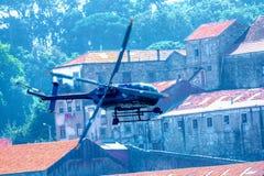 Ilumine o helicóptero cénico foto de stock