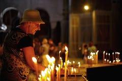 Ilumine uma vela Imagem de Stock