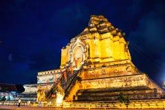 Iluminująca Chedi Luang pagoda przy Wata Chedi Luang świątynią w Chia zdjęcie royalty free