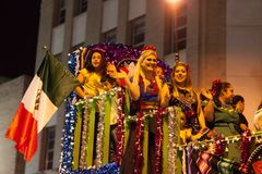 Iluminująca nocy parada obrazy royalty free