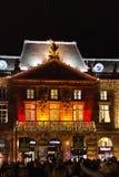 Iluminujący budynek Strasburski Aubette podczas Bożenarodzeniowych morzy zdjęcie royalty free