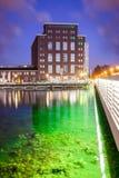 Iluminujący most stary brickstone dom Zdjęcie Royalty Free