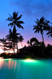 iluminujący basenu zmierzchu dopłynięcie Obraz Royalty Free
