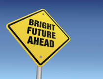 Ilustração brilhante do sinal de estrada 3d do futuro adiante Imagem de Stock