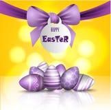 Ilustração 3d bonita do vetor Ovos e curva pintados na ressurreição do feriado da Páscoa de Cristo, Fotografia de Stock Royalty Free
