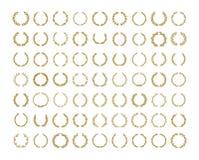 Ilustração da grinalda da folha do louro do ouro ajustada no fundo branco ilustração royalty free