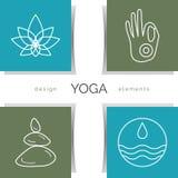 Ilustração da ioga do vetor Grupo dos ícones lineares da ioga, logotipos da ioga no estilo do esboço Imagens de Stock Royalty Free