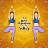 Ilustração da mulher que faz a pose da ioga no projeto do cartaz para comemorar o dia internacional da ioga Imagem de Stock