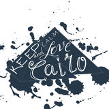 A ilustração do vetor com frase mantém a calma e ama o Cairo Fotografia de Stock