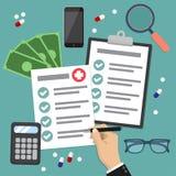 Ilustração do vetor do conceito do formulário do seguro de saúde A mão enche o formulário do seguro médico Elementos lisos do grá ilustração royalty free