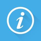 Ilustração do vetor do ícone da informação no estilo liso isolada no fundo azul com sombra longa Foto de Stock