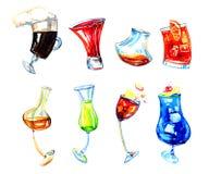 A ilustração expressivo tirada mão da aquarela com vidros do álcool diferente bebe Café irlandês, limoncello, negroni, xuxu, r ilustração royalty free