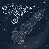 Ilustração imprimível tirada mão do vetor do foguete do voo com estrelas e Via Látea no fundo e na etiqueta - vá ao Marte Fotografia de Stock