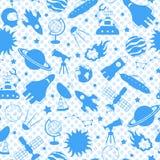 A ilustração sem emenda no tema do espaço e da viagem espacial, azul mostra em silhueta ícones em um às bolinhas azul do fundo ilustração royalty free