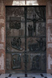 Ilustrações das histórias da Bíblia na basílica das portas do aviso em Nazareth Fotografia de Stock