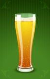 Ilustración del vector de un vidrio de cerveza Imagen de archivo libre de regalías