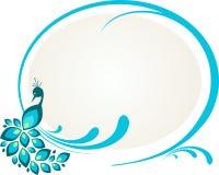 Ilustración del pavo real que se sienta en marco floral Fotografía de archivo