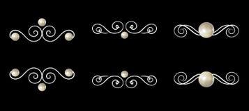 Ilustraciones del vintage del vector, perlas blancas y remolinos caligráficos aislados en fondo negro stock de ilustración