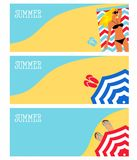 Ilustracja dziewczyna na plaży, morze, parasol Obrazy Royalty Free