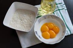ilustracja jajeczna malowaniu mąki ręce żółtek Obrazy Royalty Free