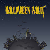 Ilustracja miasto przy nocą z nietoperzami Halloween od tła blasku księżyca uwagi Fotografia Stock