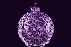 Ilustracja purpurowa Bożenarodzeniowa piłka Obrazy Royalty Free