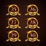 Ilustrador luxuoso Eps do vetor do aniversário 25-30 do crachá 10 ilustração do vetor