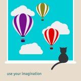 Ilustração gráfica simples com o gato preto que senta-se na janela e que olha como os balões de ar quente brilhantes que flutuam  Imagens de Stock