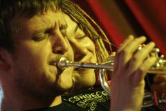 Ilya Fligeltaub - trumpet, at Alai Oli band perfo Stock Photos