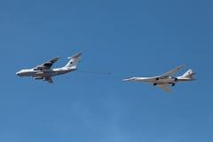Ilyushin Il-78 och Tupolev Tu-160 Arkivbilder