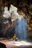 Imágenes de Buda en la cueva de Khao Luang Fotografía de archivo libre de regalías