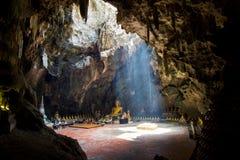Imágenes de Buda en la cueva de Khao Luang Imágenes de archivo libres de regalías