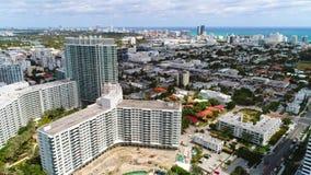 Imágenes de vídeo aéreas del abejón de Miami Beach almacen de video