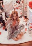 Imágenes del Año Nuevo, modelo el año de la marina de guerra, foto de la Navidad, la muchacha, un retrato hermoso de la muchacha  Fotos de archivo libres de regalías