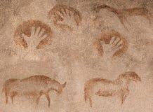 Imágenes en una cueva de animales prehistóricos y hecho a mano libre illustration