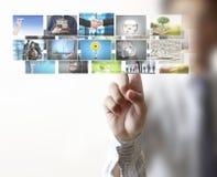 Imágenes que alcanzan de la mano que fluyen del profundo Imágenes de archivo libres de regalías