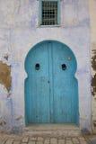 Im altem Stil blaue Tür Lizenzfreie Stockbilder