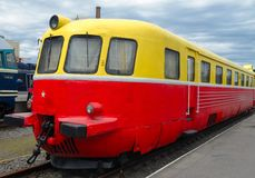 Im altem Stil elektrischer Dieselzug Lizenzfreies Stockfoto