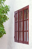 Im altem Stil Fenster des ländlichen Hauses Stockfotografie