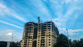Im Bau Gebäude lizenzfreie stockfotografie