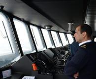 Im Cockpit eines Passagierschiff ` über Australis ` das Archipel von Tierra del Fuego lizenzfreies stockbild