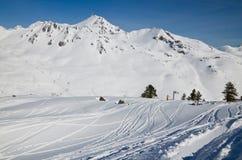 Im Frühjahr Ski fahren Pyrenäen Stockbilder