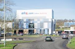 Im freien Fall springendes Airkix, Basingstoke Stockfotos