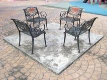 Im Freien generische allgemeine Stühle lizenzfreie stockfotografie