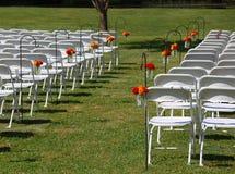 Im Freienhochzeit mit Blumen Stockfotografie